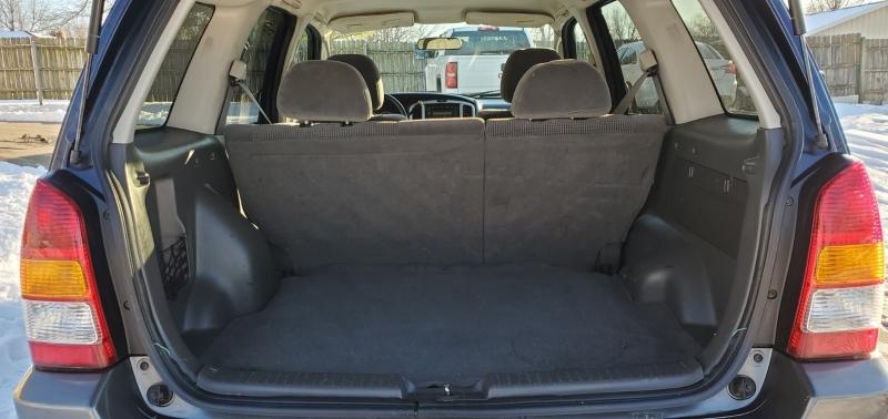 Mazda Tribute 2004 price $2,842