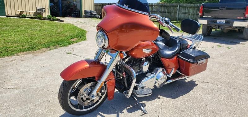 Harley-Davidson Street Glide 2012 price $10,995