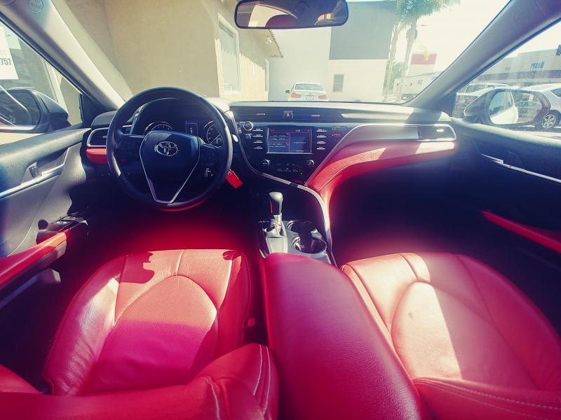 Toyota Camry 2018 price $17,999
