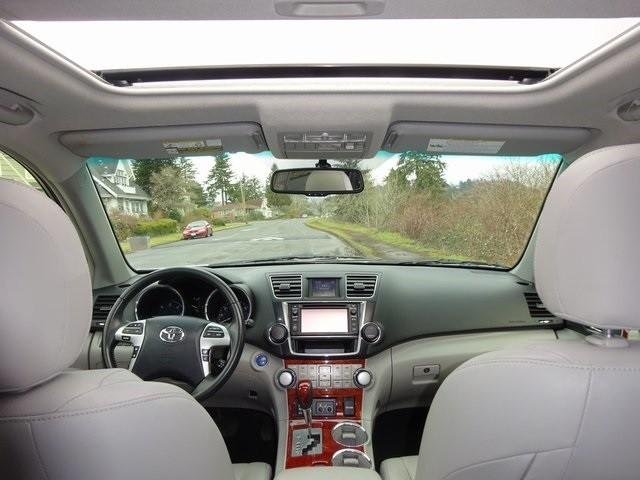 Toyota Highlander 2013 price $25,950