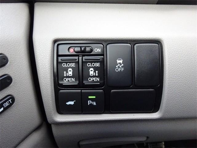 Honda Odyssey 2013 price $27,950