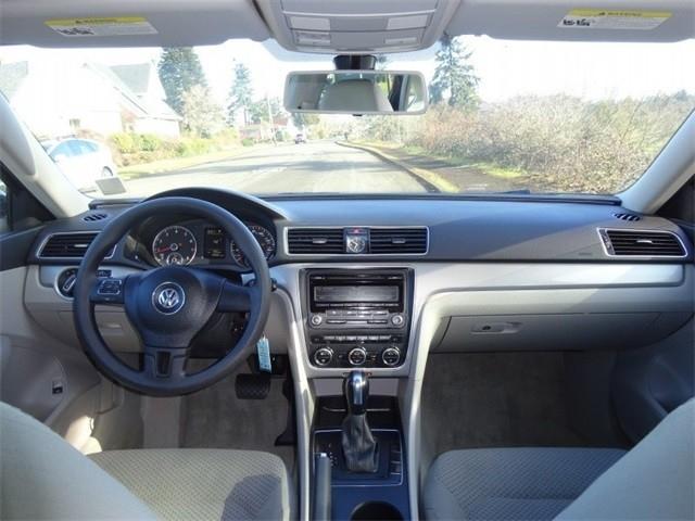 Volkswagen Passat 2012 price $8,950