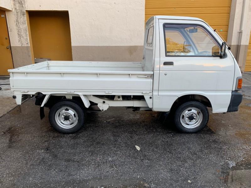 Daihatsu HiJet 1993 price $5,499