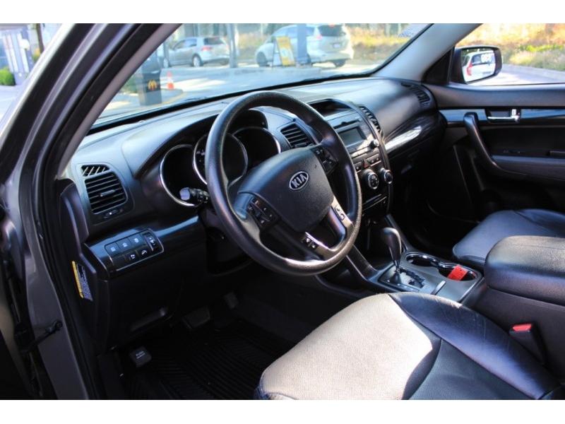 Kia Sorento 2013 price $9,889