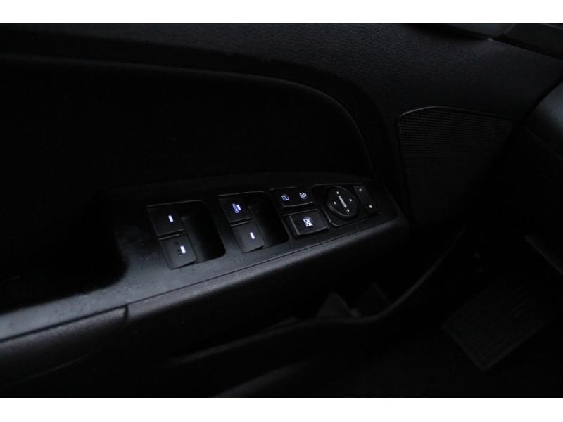 Hyundai Elantra 2019 price $19,889