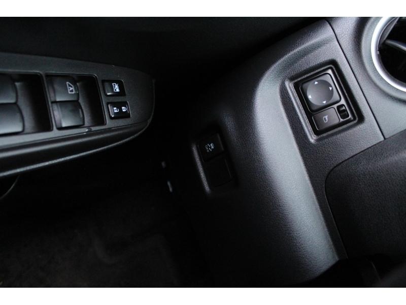 Nissan Versa Note 2017 price $14,889