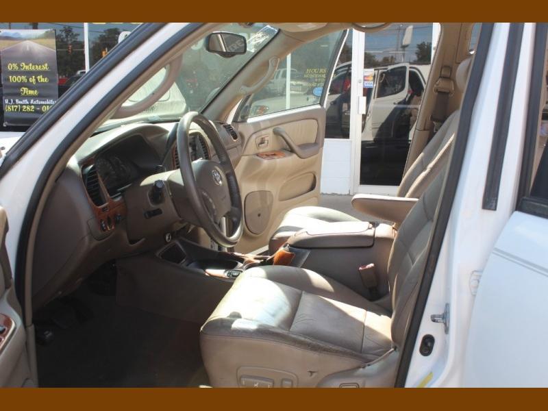 Toyota Sequoia 2004 price $8,995