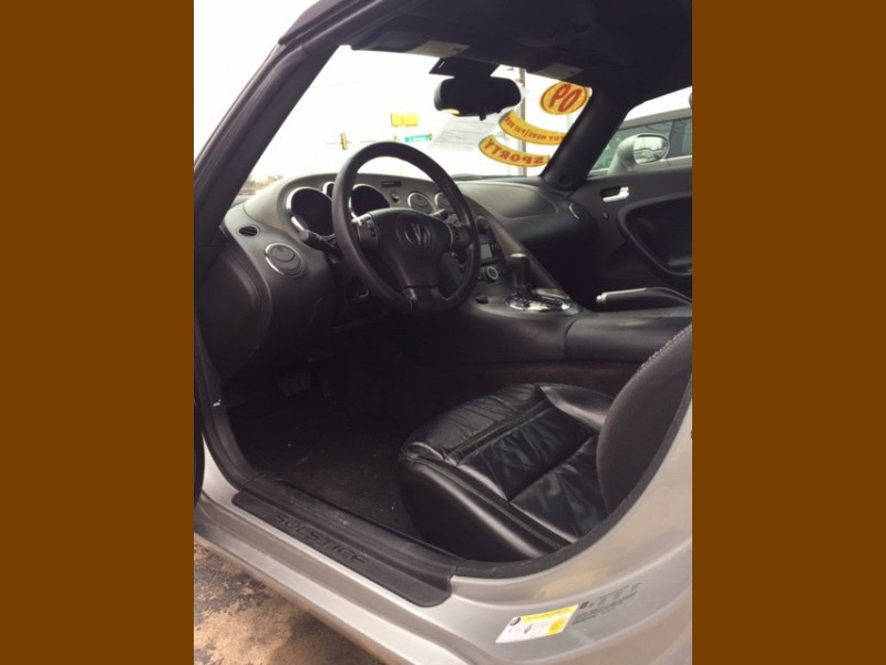 Pontiac Solstice 2009 price $8,995