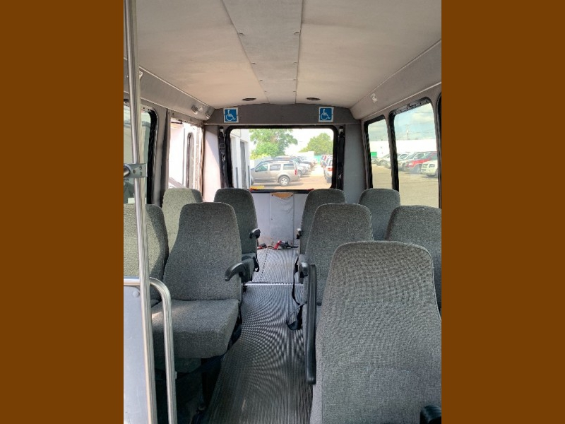 Ford Econoline Commercial Cutaway 2006 price $8,000 Cash