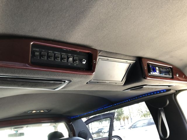 Lincoln Town Car 2007 price $6,995
