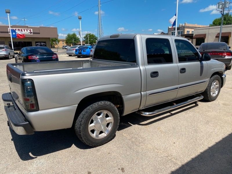 GMC NEW SIERRA 2005 price $8,500