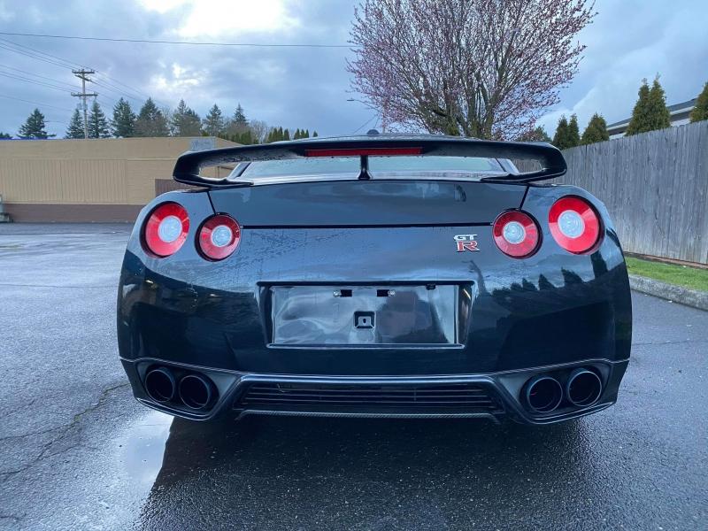 Nissan GT-R 2014 price $69,995