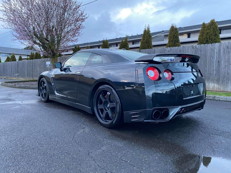 Nissan GT-R 2014 price $69,995