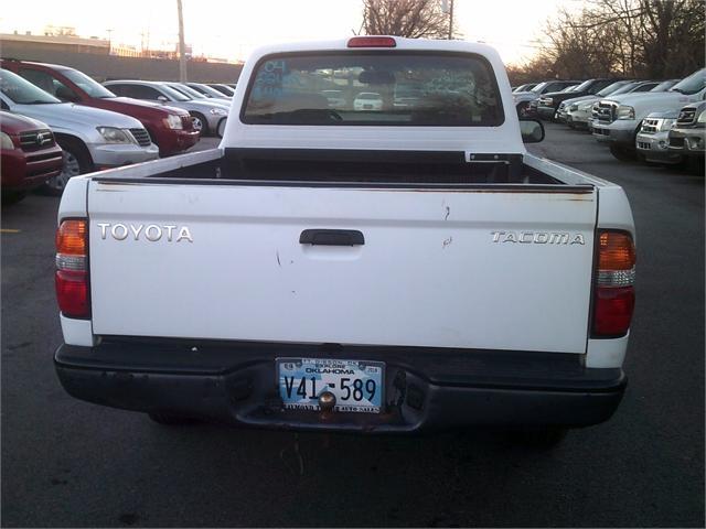 Toyota Tacoma 2004 price $4,000