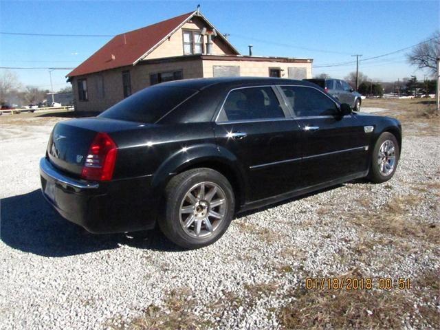 Chrysler 300 2005 price $5,000