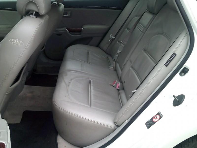 Hyundai Azera 2007 price $3,000