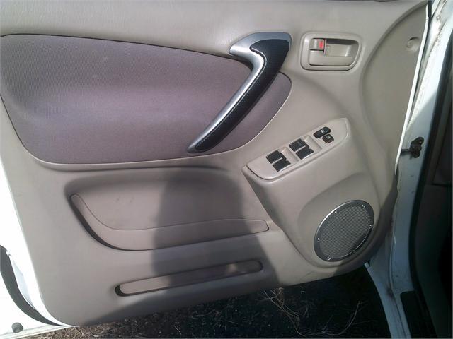 Toyota RAV4 2002 price $3,500