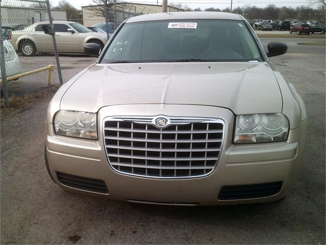 Chrysler 300 2007 price $4,000