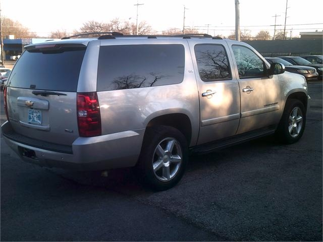 Chevrolet Suburban 2007 price LOW DOWN PAYMENT