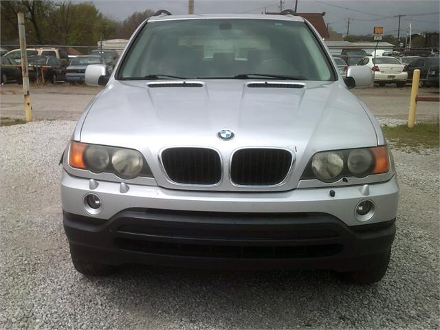 BMW X5 2003 price $4,000