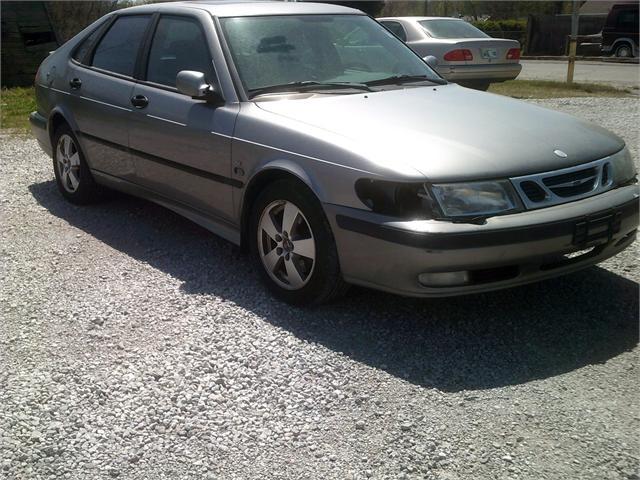 Saab 9-3 2002 price $1,500
