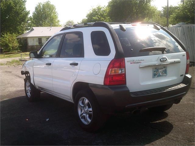Kia Sportage 2008 price $3,000