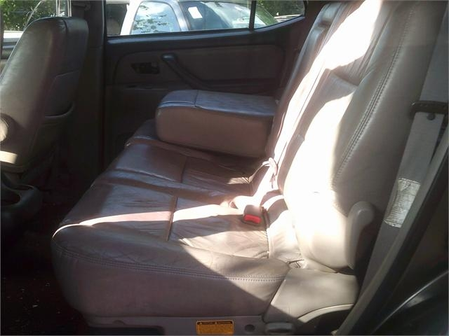 Toyota Sequoia 2003 price $4,000