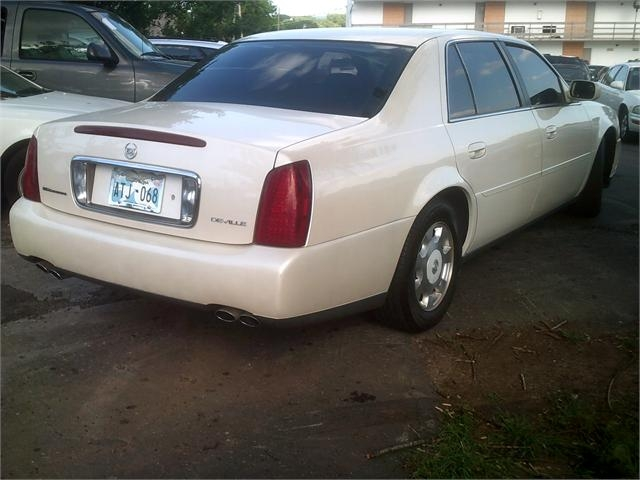 Cadillac Deville 2002 price $2,500