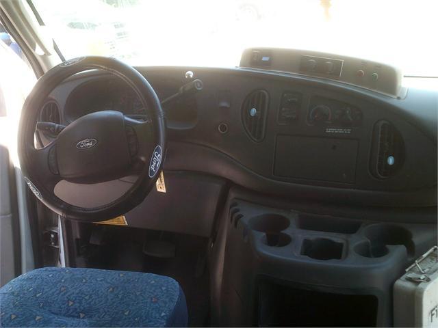 Ford ECONOLINE 2003 price $3,000