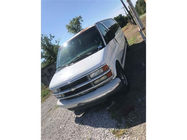 Chevrolet Express 2002 price $3,000