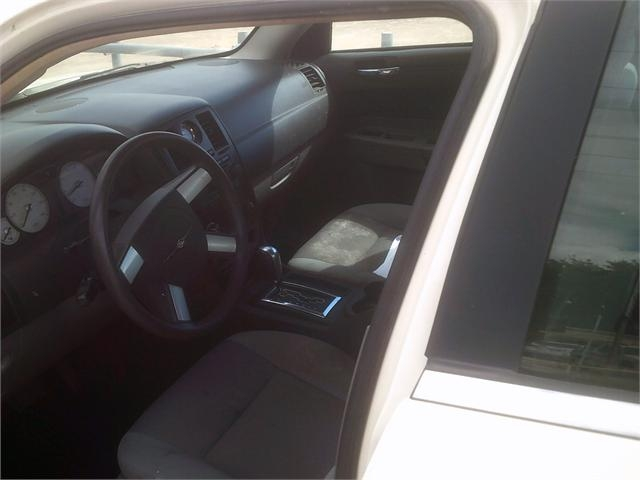 Chrysler 300 2005 price $4,000