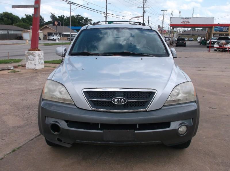 Kia Sorento 2006 price $2,000