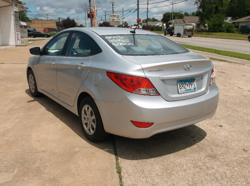Hyundai Accent 2013 price LOW DOWN PAYMENT