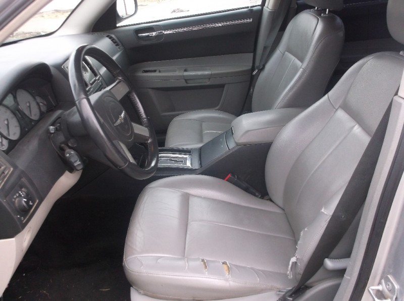 Chrysler 300 2007 price $5,000