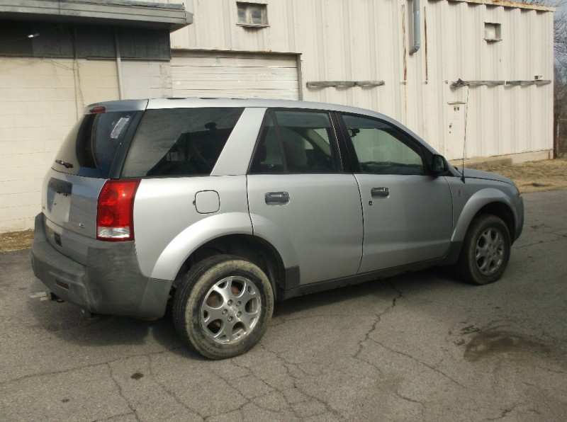 Saturn VUE 2003 price $1,500