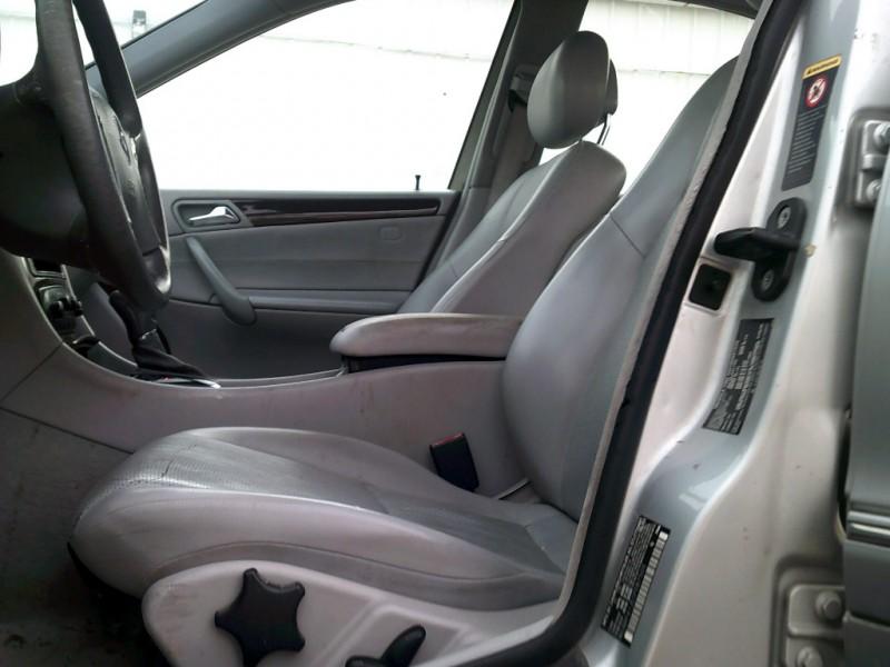 Mercedes-Benz C-Class 2001 price $3,500