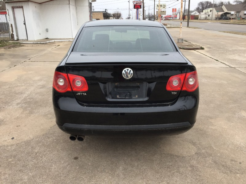Volkswagen Jetta Sedan A5 2005 price $3,000