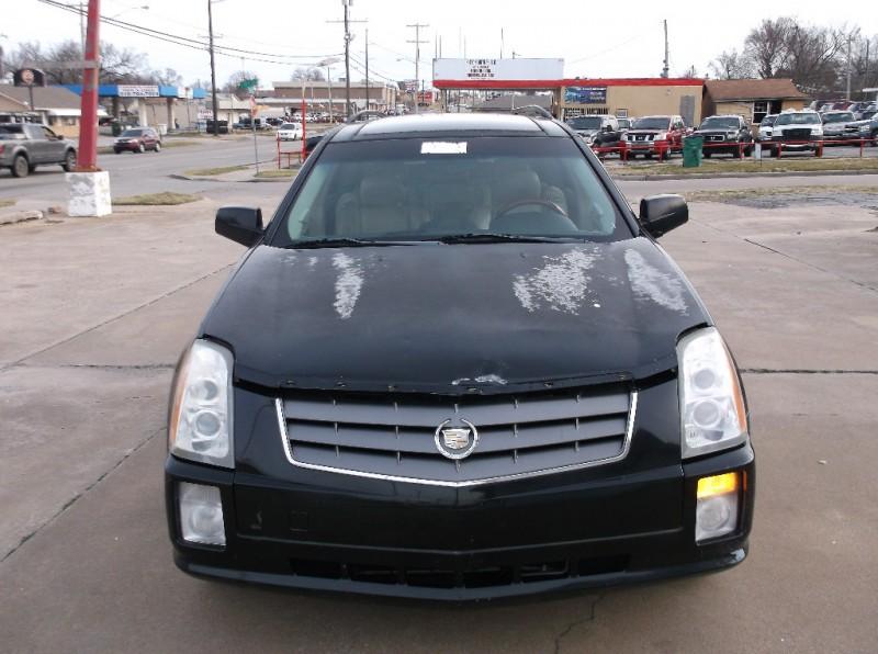 Cadillac SRX 2004 price $2,500