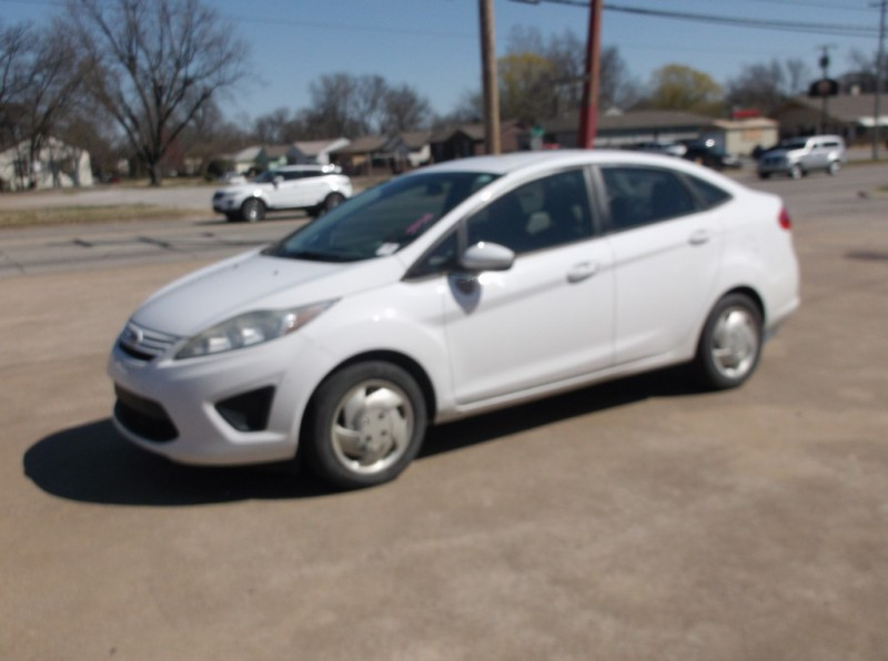 Ford Fiesta 2012 price $5,000