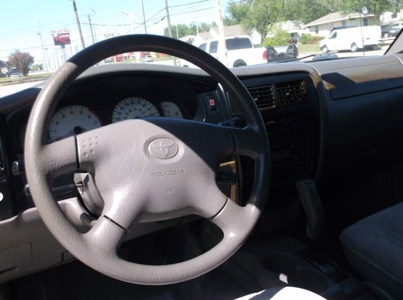 Toyota Tacoma 2002 price $6,000