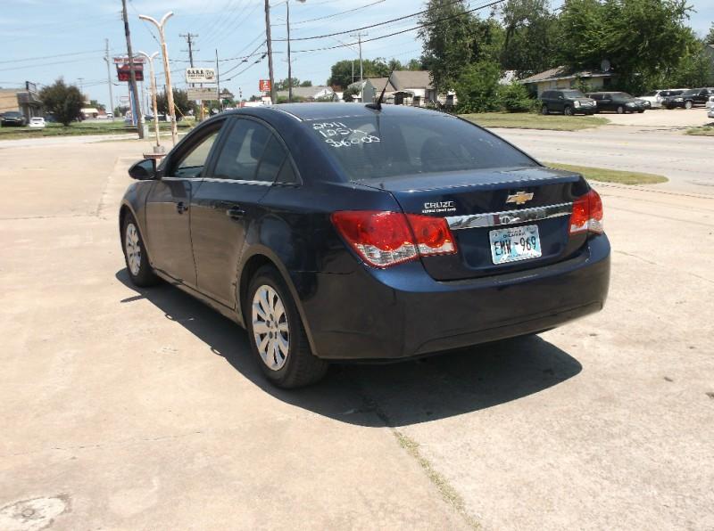 Chevrolet Cruze 2011 price $6,000
