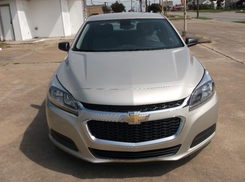 Chevrolet Malibu 2015 price $9,000
