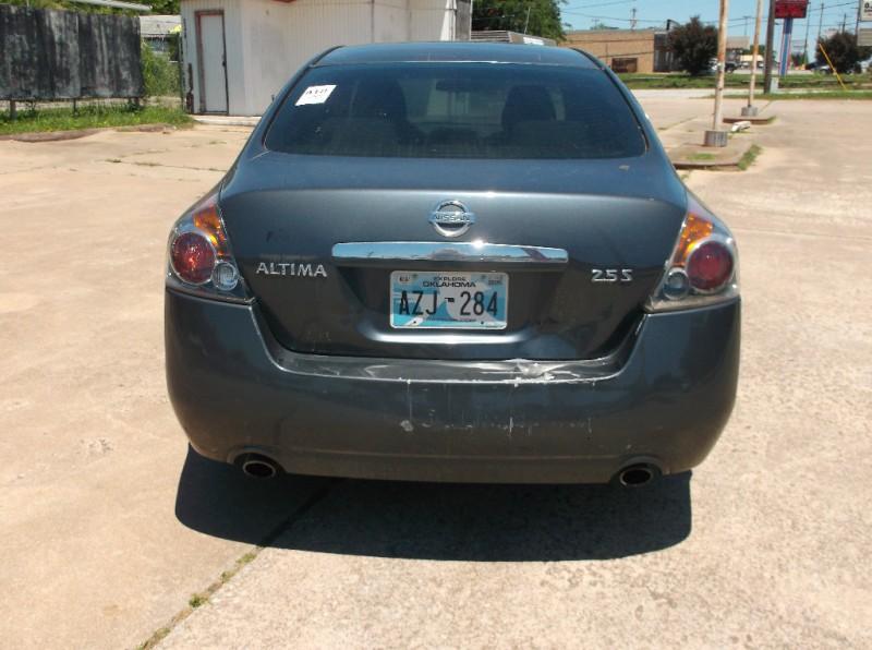 Nissan Altima 2009 price $3,500