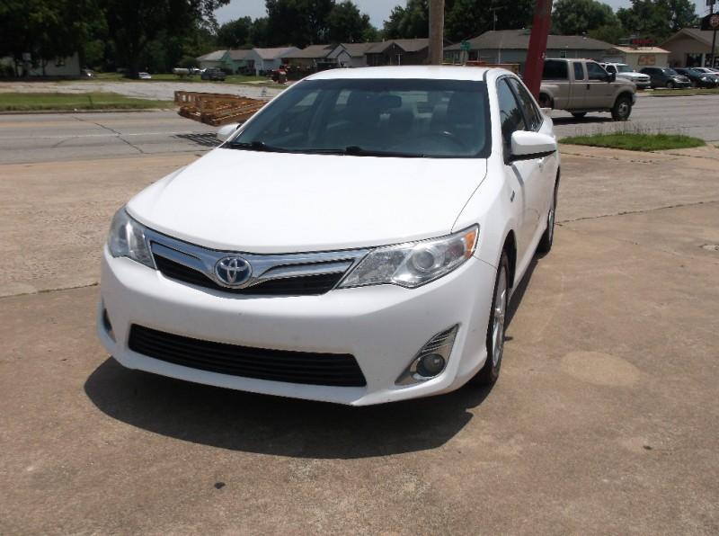 Toyota Camry Hybrid 2013 price $8,000