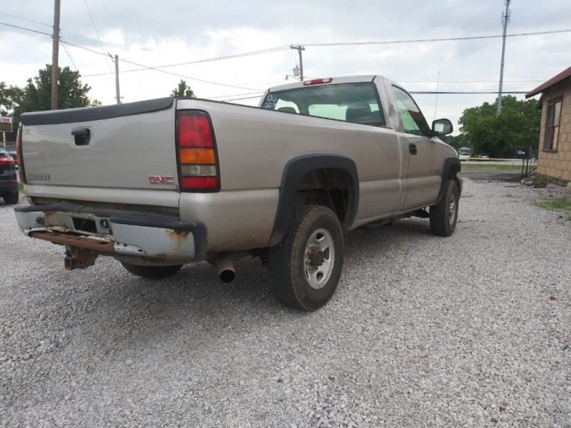 GMC Sierra 2500HD 2006 price $4,000