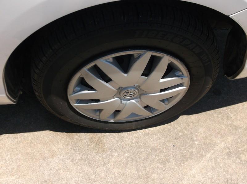 Toyota Sienna 2007 price $4,000