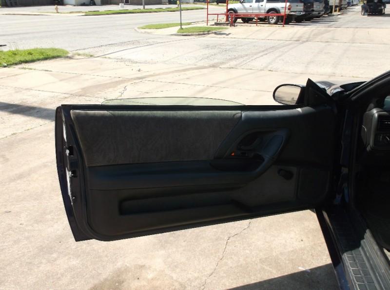 Chevrolet Camaro 2000 price $2,500