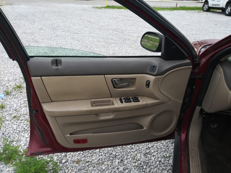 Ford Taurus 2002 price $1,500