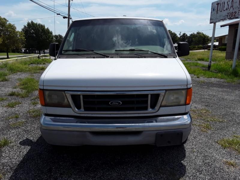 Ford Econoline Cargo Van 2004 price $2,500