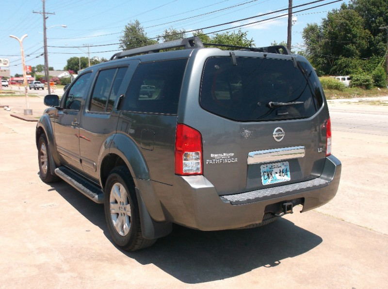 Nissan Pathfinder 2005 price $4,500
